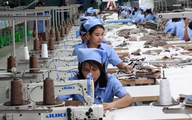 Berbagai Keuntungan Menjadi Distributor Baju Langsung Dari Pabrik