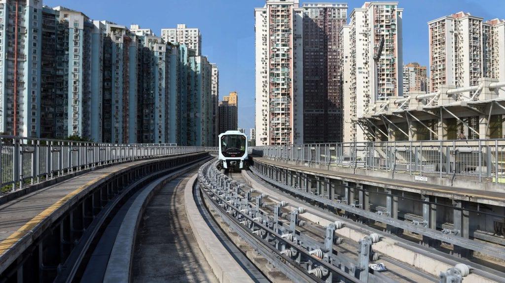 Jalur kereta api merupakan salah satu infrastruktur untuk mendukung proses distribusi