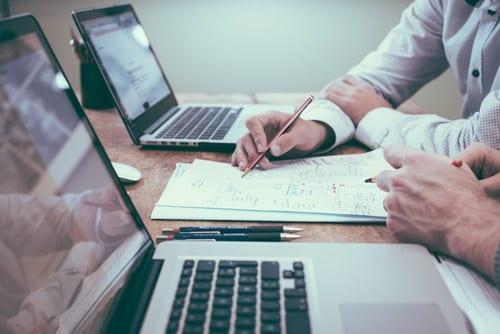 Melaksanakan dan Mengevaluasi Strategi Sales Distribution Model Yang Anda Pilih