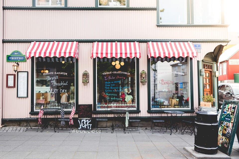 store menggambarkan retailer