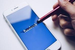 Facebook bisa digunakan sebagai sarana promosi bagi seorang dropshipper